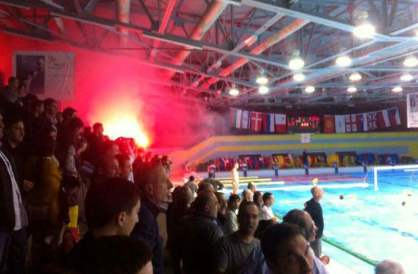 Georgian water polo crowd